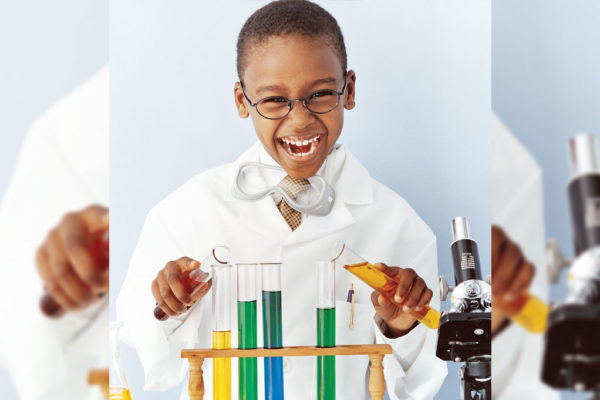 Kids Can Explore Science With a Wow!
