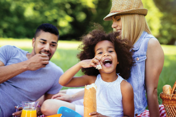 How to Make the Perfect Picnic (Kid-Friendly)