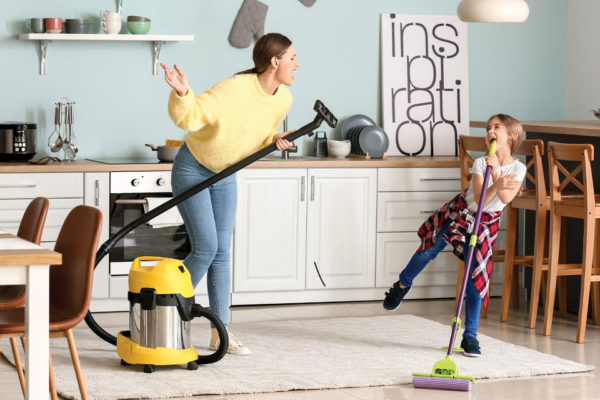 5 Simple Ways to Keep a Clean House  Despite Having a Family That's Always on the Go